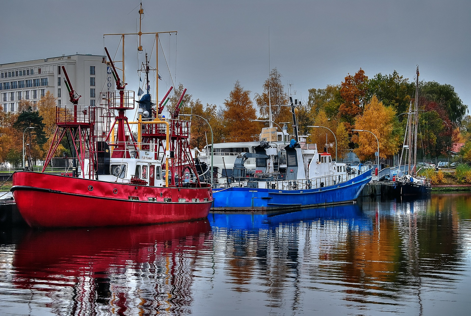ships-261157_1920